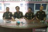 Sekretaris KPU Bogor ngaku sedang sibuk saat Bendaharanya korupsi