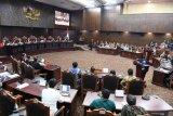 Yusril Ihza Mahendra katakan dalil kubu Prabowo-Sandi hanya asumsi