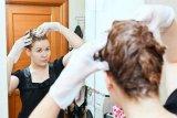 Tips dan trik warnai rambut tanpa ke salon