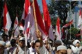 Massa aksi pendukung Prabowo-Sandi terus bergerak menuju MK