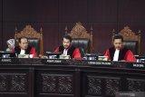 Pertimbangan Mahkamah terhadap gugatan Prabowo-Sandi, Hakim: Hanya takut pada Allah
