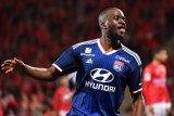 MU siap tikung Tottenham untuk dapat Ndombele dari Lyon