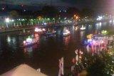 Miniatur tugu Khatulistiwa tampil memukau di festival kapal hias