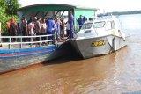 Tiga penumpang hilang akibat mobil tercebur ke sungai