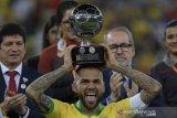 Dani Alves tolak kembali ke Barcelona dan Juventus
