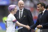 Bos FIFA-Presiden Prancis dicemooh dalam seremonial juara