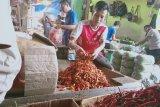 Berbagai jenis  sayur-mayur di Pasar Induk Kramat Jati merangkak naik