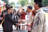Kapolda Sulut berikan penghargaan kepada warga pendukung tugas polisi