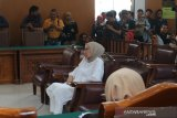 Flash - Ratna Sarumpaet divonis 2 tahun penjara