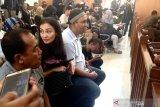 Atiqah berharap hakim memvonis bebas ibunya