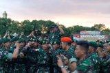 Panglima TNI mengecek kesiapan prajurit menjaga perbatasan