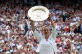 Halep juarai Wimbledon 2019 usai tundukkan Serena
