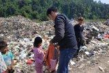 ACT Lampung beri bantuan alat sekolah ke anak-anak di TPA