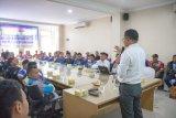 Dorong Peningkatan Rasio Elektrifikasi, PLN UP3 Mataram gelar pelatihan untuk pegawai mitra kerja