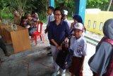 Walhi Sulteng salurkan 339 paket pendidikan korban gempa Sigi