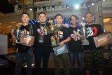 Indonesia mendapatkan 34 piala kontes ikan guppy internasional