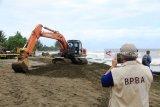 BPBA  kerahkan alat berat atasi banjir rob di Aceh Barat