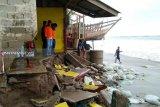 18 unit rumah rusak diterjang gelombang pasang
