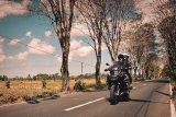 Darius dan Donna Agnesia akan menjelajah naik motor ke Himalaya