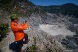 Abu erupsi Gunung Tangkuban Parahu tidak pekat lagi
