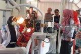 Ratusan warga bantaran rel ikuti pengobatan gratis PT KAI