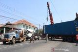 Truk rem blong menyelonong ke Puskesmas Mojosongo, seorang tewas