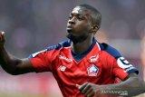 Jelang teken kontrak, Pepe pamerkan seragam Arsenal
