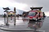 30 truk angkut abu vulkanik Tangkuban Perahu