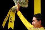 Reaksi Bernal setelah juara Tour de France 2019
