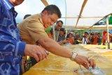 Kue lapis terpanjang dan terbesar di Indonesia raih rekor MURI