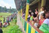 Jokowi presiden pertama yang pijakkan kakinya di Lapangan Sepak Bola Ambarita