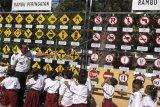 Edukasi pengenalan rambu lalu lintas