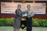 Sinergikan pengamanan laut Menteri Susi-Kapolri teken MoU