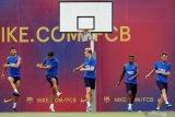 Barcelona konfirmasi De Jong bisa kembali dari Belanda menjelang berlatih