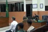 Oknum TNI pemutilasi kasir minimarket menangis di sidang