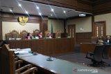Suap Direktur Krakatau Steel, Kenneth dituntut 2 tahun bui
