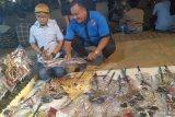 Pedagang buka lapak blangkon hingga wayang di kawasan Istana Merdeka