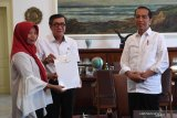 Haruskah Kepala Negara menangani semua kasus di Indonesia ?