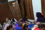 Warga di pesisir Pandeglang masih mengungsi