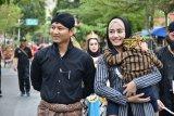 Bupati Trenggalek dan istri ikut ramaikan pawai