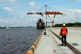 Pendangkalan alur Sungai Mentaya sangat mengganggu kelancaran kapal