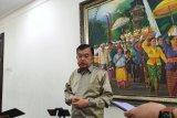 Pendidik asing jangan langsung menjabat rektor, kata Wapres