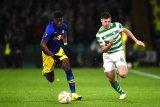 Perkuat barisan pertahanan, Arsenal rampungkan pembelian Kieran Tierney dan David Luiz