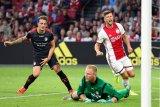Ajax libas Emmen 5-0