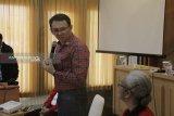 Ahok berdialog dengan  tokoh agama di Kupang