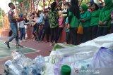 AIESEC ajak masyarakat kurangi penggunaan kantong plastik