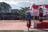 Pengenaan pakaian adat Nusantara warnai upacara HUT ke-74 RI di Rutan Makassar