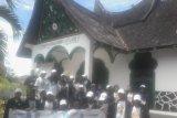 Peserta SMN asal Jateng mengunjungi Makam Pahlawan Imam Bonjol