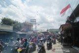 Mobil Dandim Jayapura dirusak pada demo susulan anarkis