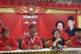 Artikel - Benarkah Megawati keliru menekan Jokowi?